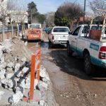 Vecinos de Villa Domínguez, indignados por la ejecución de la obra de cloacas